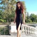 Ida Pelliccioli sur le pont du château enjambant les douves