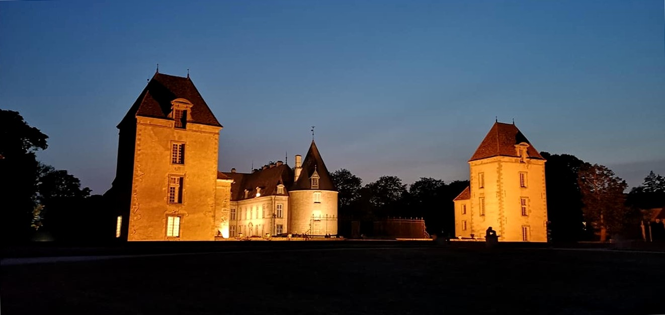 C'est cette vue nocturne du château qui servira de toile de fond au Fantastic Picnic