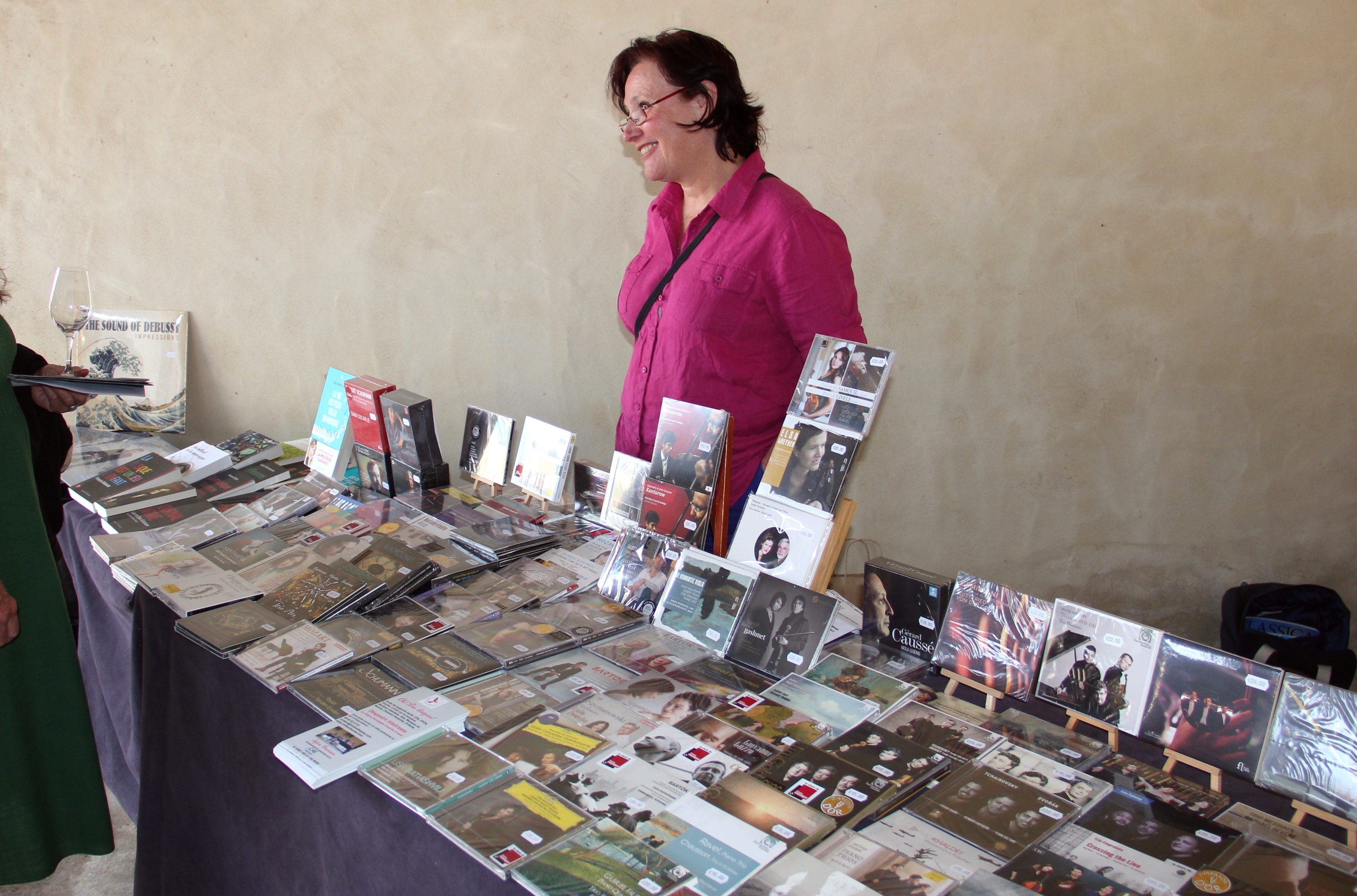 Sylvie Bouissou, sur son stand
