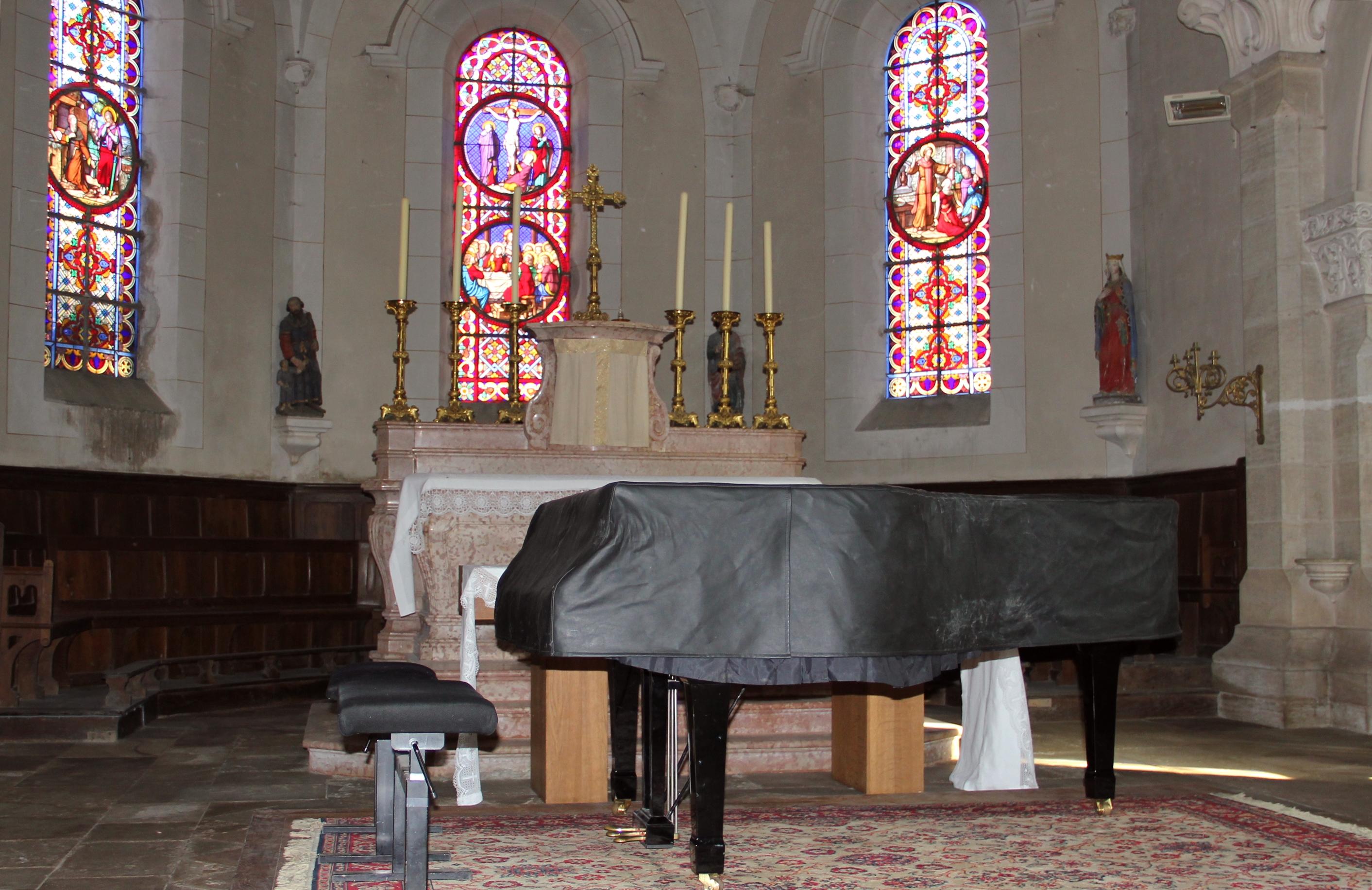 Le piano se repose, après le concert....