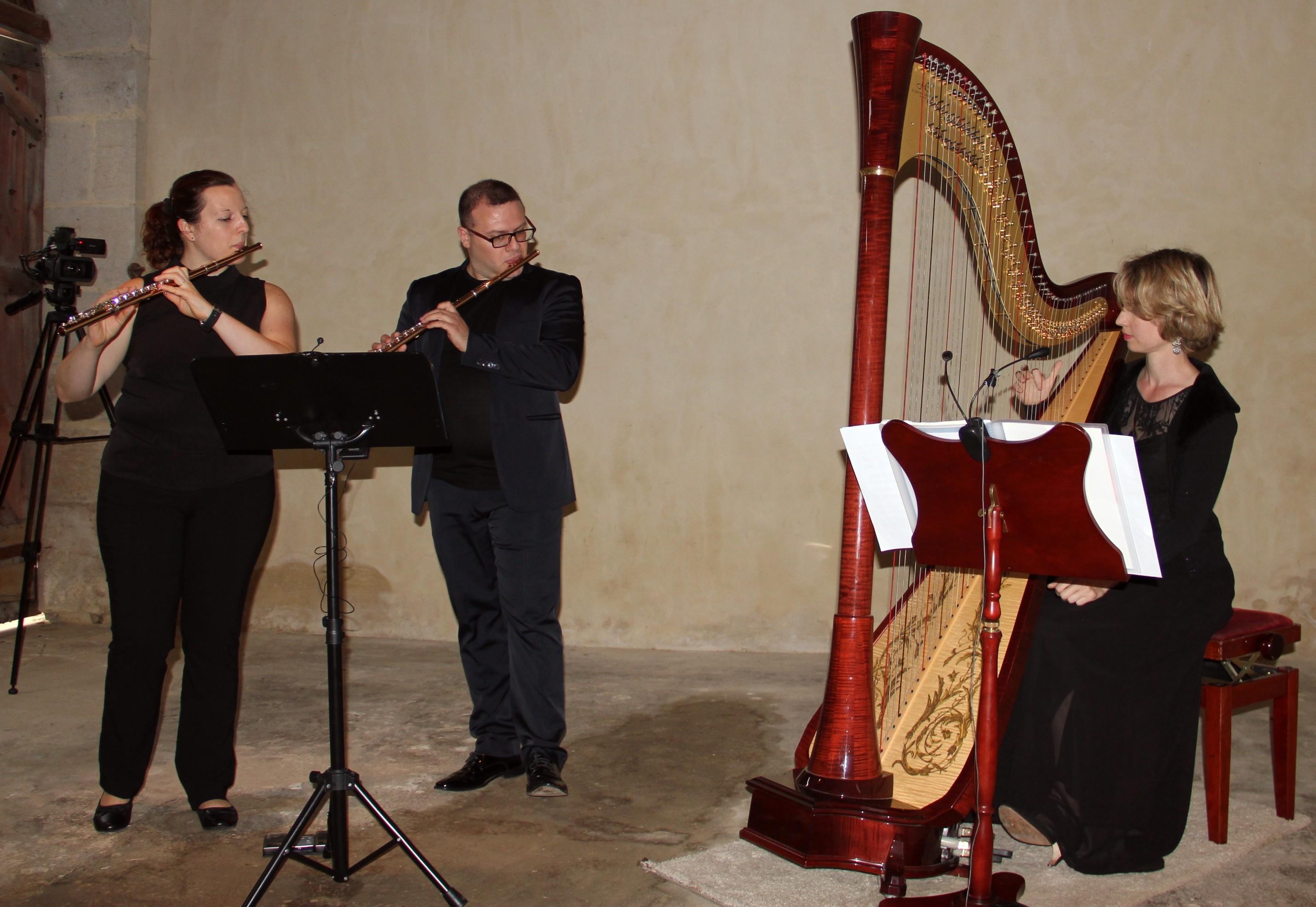 Sandrine Olivier & Raffaele Bifulco, flûtes traversières, Dorothée Cornec, harpe