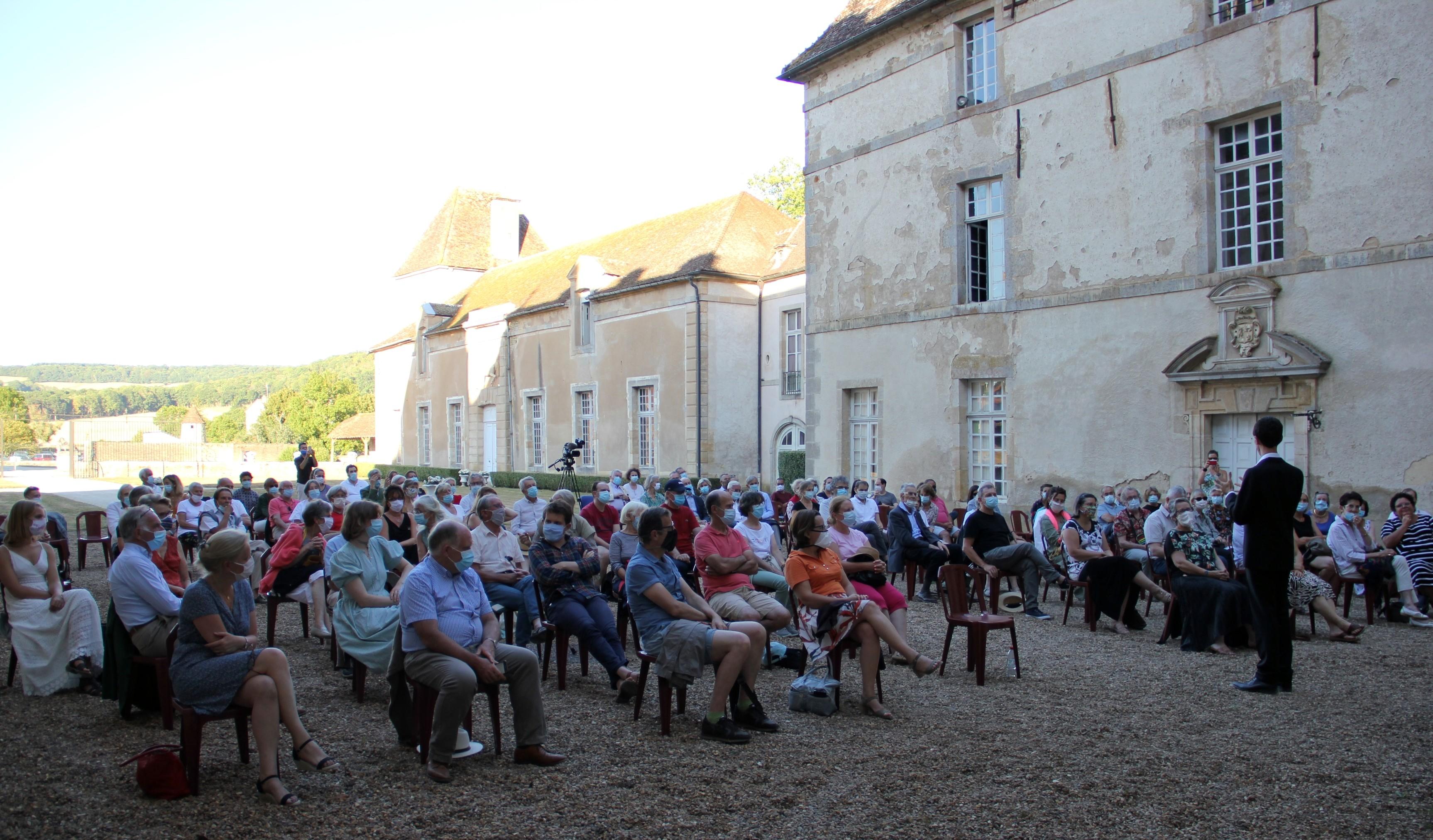 Le public est venu nombreux pour écouter Jean-Baptiste Mathulin