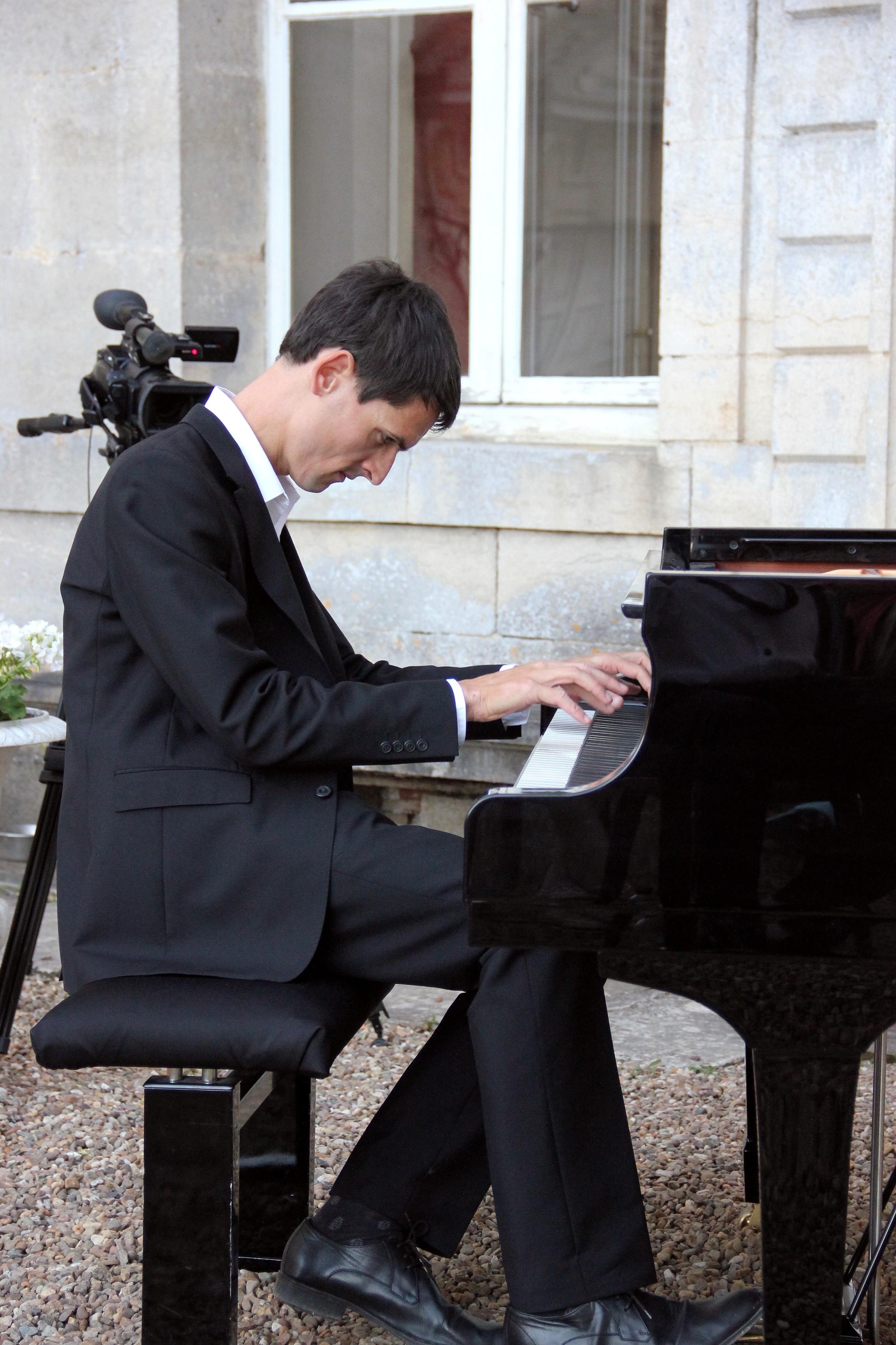 Jean-Baptiste Mathulin au piano