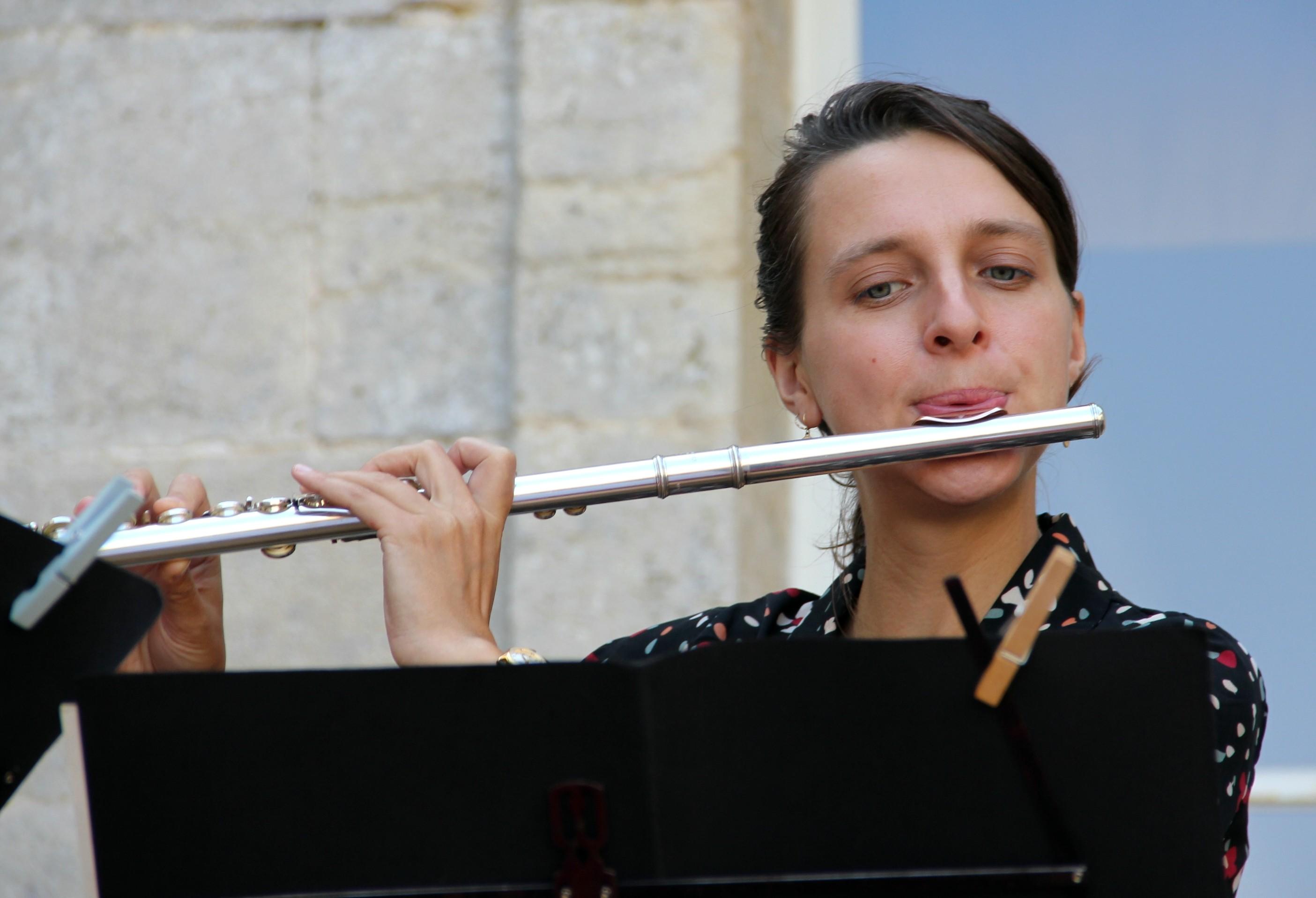 Alice Szymanski, flûtiste, en concert