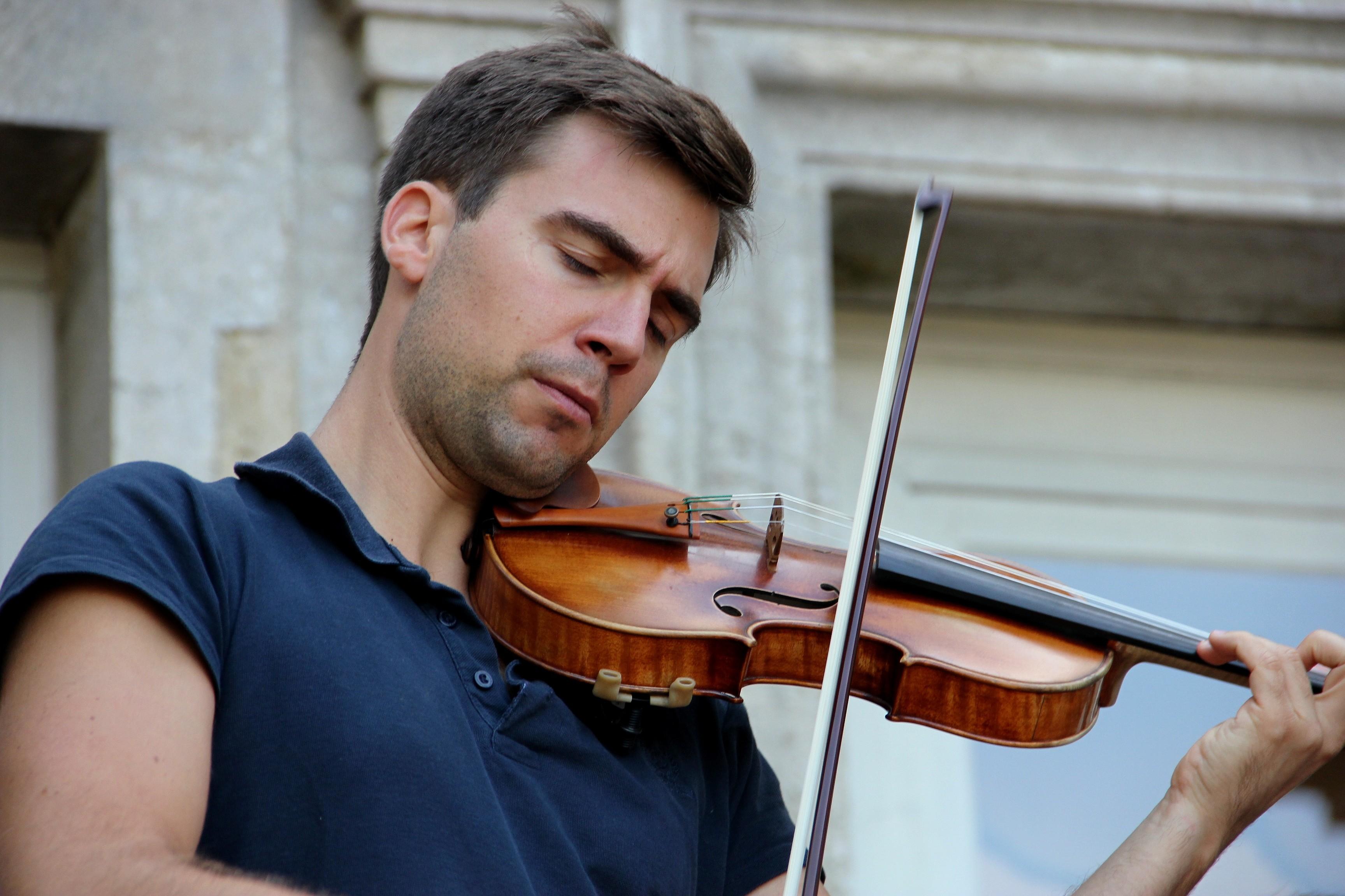 Mathieu Handtschoewercker, du Trio Chausson, en répétition