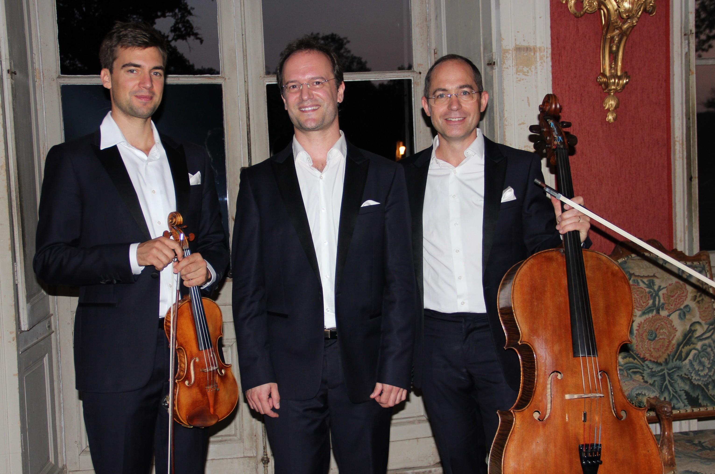 Le Trio Chausson dans un salon du château de Commarin